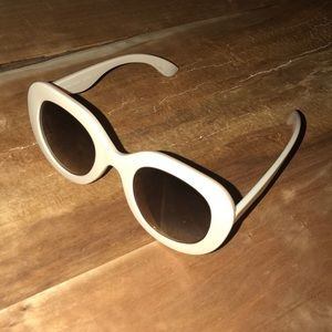 Urban outfitters tan sunglasses